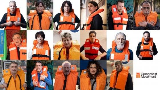 Orange Vest, ecco perché sui social tutti stanno indossando un giubbotto di salvataggio arancione