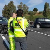 Agrigento, un morto e due feriti in un frontale tra due auto