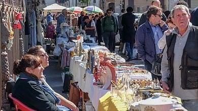 """Rep    :    Piazza Marina, il mercato compie  30 anni: """"Qui tutto ha una storia  da raccontare"""""""