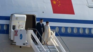 """Xi Jinping ha lasciato Palermo:  """"Qui arriveranno tanti turisti""""     Il piccolo puparo incanta Xi/ Video      La visita del presidente in città Foto/ Video tappa a Palazzo Reale e poi a Villa Igiea Vd"""