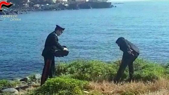 Catania, stupro di gruppo su 19enne: filmano tutto con  il telefonino, arrestati tre ragazzi