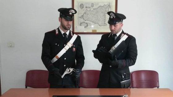 """Palermo, intera famiglia agli arresti: """"Rubavano la luce"""""""
