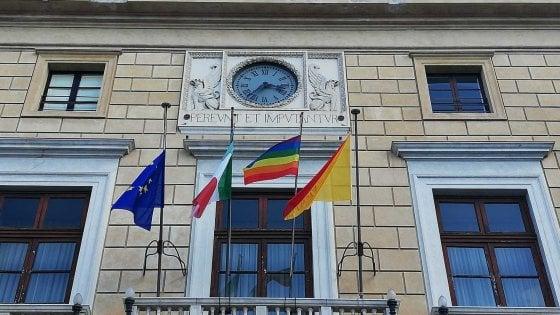 Congresso delle famiglie, Orlando risponde: su Palazzo delle Aquile la bandiera arcobaleno