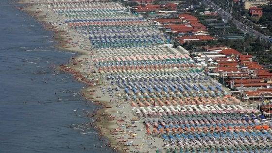 Sicilia, più lidi attrezzati in meno spazio: emanate le nuove linee guida per le concessioni demaniali