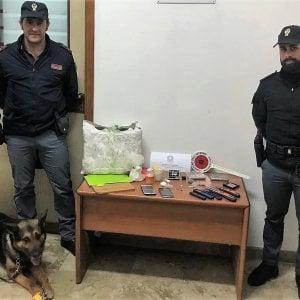 Palermo, crack e cocaina in casa: arrestato dalla polizia
