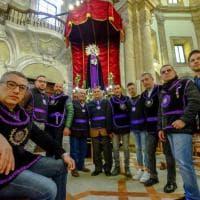 Palermo, Venerdì santo di devozione: i quartieri tornano protagonisti