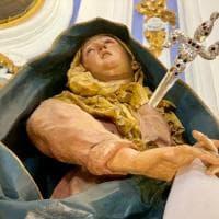 Palermo, la passione di Cristo per i vicoli della città
