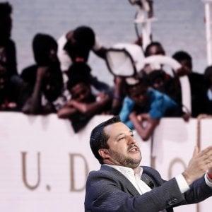 """Salvini: """"90mila i migranti irregolari"""". E il M5S: """"Nel contratto di governo scrisse 500mila"""""""