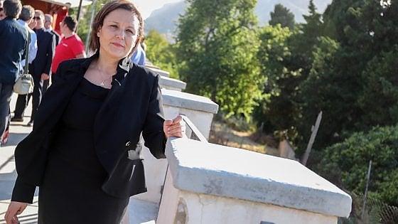 """Trapani, indagata testimone di giustizia deputata 5Stelle: """"Cambiò nome, non poteva usarlo"""""""