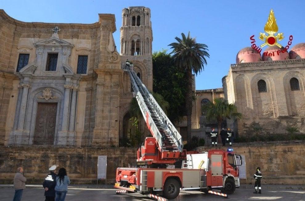 Palermo, il patrimonio Unesco a pezzi: crollano calcinacci dalla chiesa della Martorana