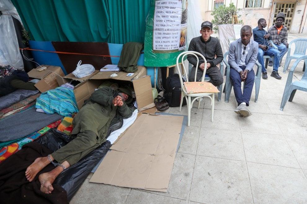 La missione Speranza e carità si ferma per un giorno e si unisce al digiuno di Biagio Conte