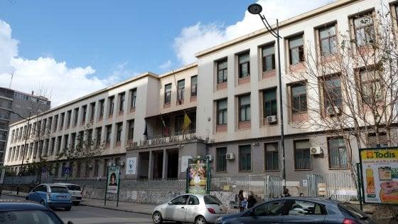 """Palermo, a scuola un video accosta Salvini al Duce: sospesa una docente. """"Grande ferita nella vita professionale"""""""