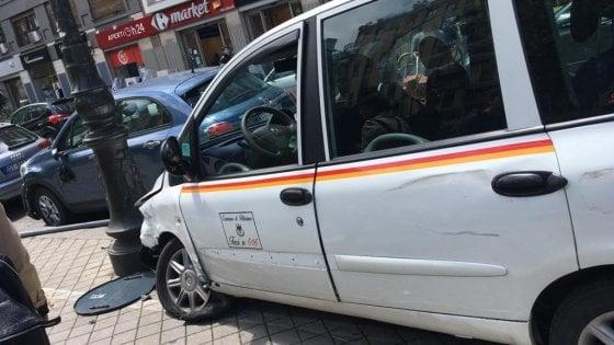 """Palermo, investita da un taxi in via Libertà: in ospedale in """"codice rosso"""""""