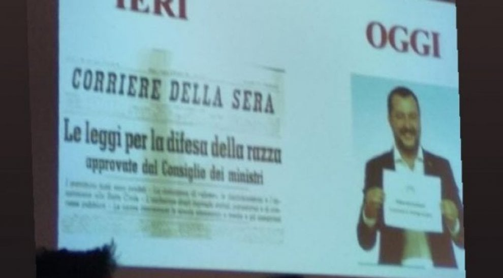 Palermo, la prof sospesa: ecco l'immagine incriminata