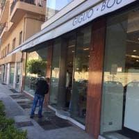 """Palermo, sfondata la vetrina del negozio """"Giglio In"""": rubati i vestiti"""
