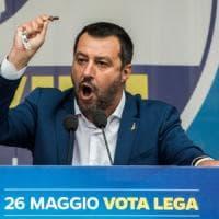 """Il vescovo di Mazara: """"Rosario? Salvini non può dirsi cristiano"""""""
