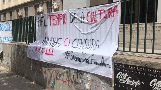 """Palermo, le firme per la prof sospesa salgono a 260 mila. Salvini: """"Giovedì incontrerò la docente"""""""