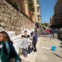 Palermo, un muro di quartiere colorato dai cittadini per dire no al degrado