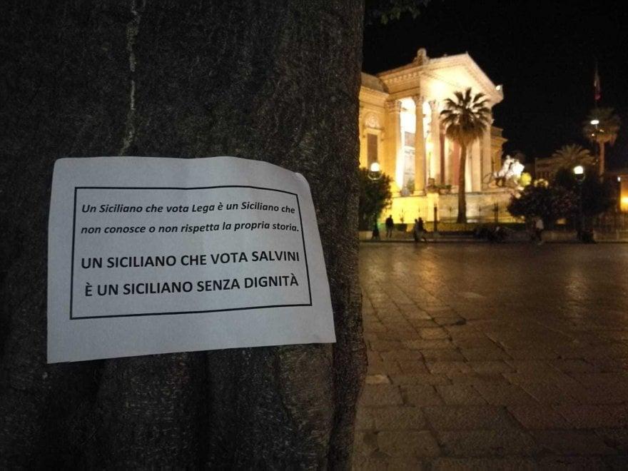 Palermo, in centro spuntano manifesti anti-Salvini in stile Addiopizzo