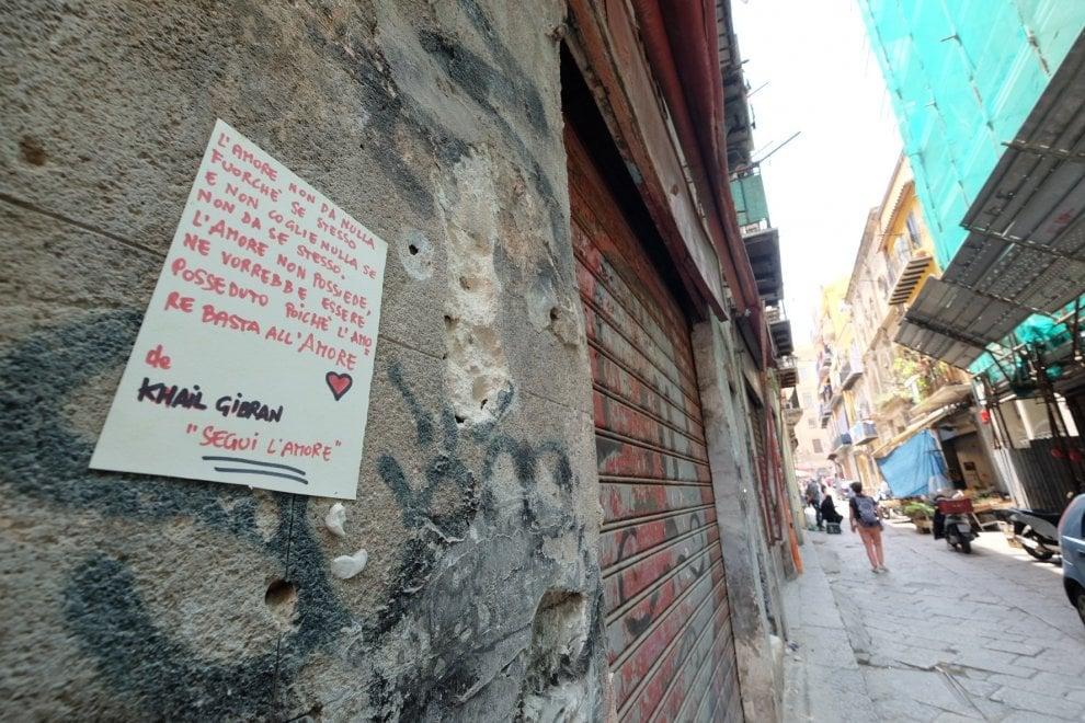 Palermo, poesie sui muri della Vucciria: l'idea di un artigiano contro il degrado
