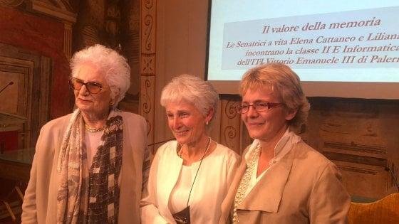 La prof sospesa con i suoi alunni in Senato ospiti di Liliana Segre e Elena Cattaneo