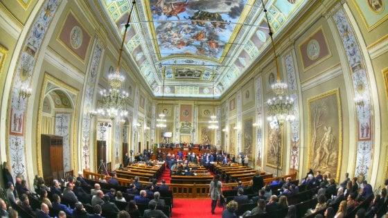 Vitalizi, Sicilia e Trentino non rispettano l'accordo sui tagli: ora rischiano la stangata