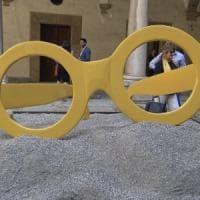 Sicilia, gli occhiali di Tusa in una maxi-scultura a Palazzo dei Normanni