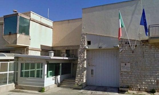 Trapani, un detenuto scavalca il muro di cinta ed evade dal carcere di San Giuliano