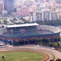 Palermo calcio, tensione fuori dallo stadio: ultrà lanciano bomba carta,
