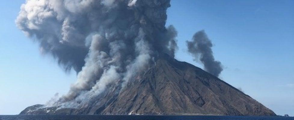 Stromboli, violente esplosioni: morto un escursionista, due feriti
