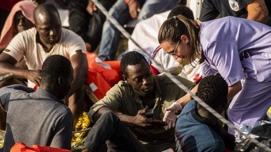 """Migranti, il vescovo di Agrigento: """"L'accoglienza un dovere dei cristiani"""""""