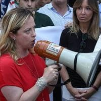 Catania, Giorgia Meloni raduna i sovranisti e attacca i 5Stelle: