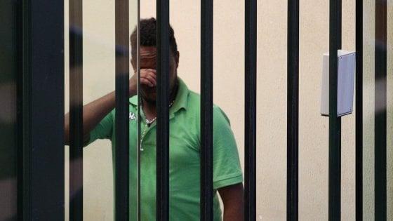 Palermo, errore di persona sul trafficante di uomini: solo 5 anni all'imputato. Via dal carcere su una volante