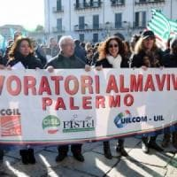 Palermo, torna lo spettro del licenziamento per 1600 lavoratori di Almaviva
