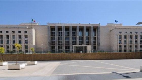 Palermo, rubavano e smontavano le auto di lusso condannati in sette