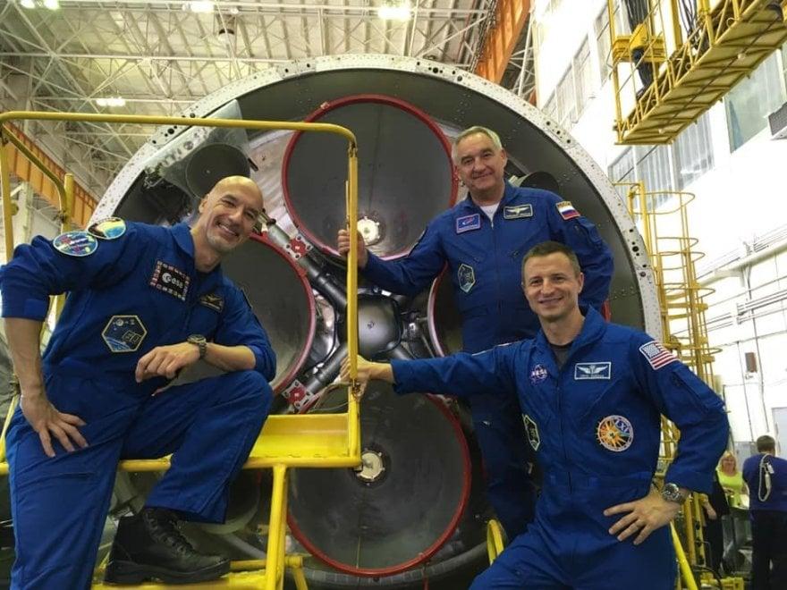 Baikonur, i selfie del comandante Luca Parmitano con la Soyuz