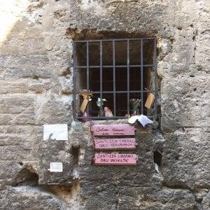 Palermo, rubata di nuovo la Santuzza anti-immondizia: è braccio di ferro con gli incivili