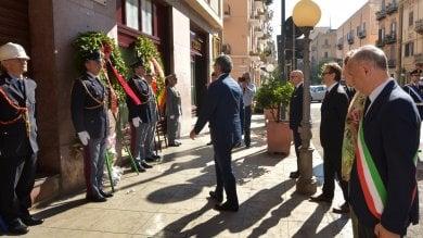 """Omicidio Giuliano, il ricordo di Mattarella """"Ci inchiniamo alla sua memoria""""   Foto"""