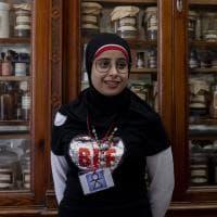 Scicli, Fatima la giovane siriana che spiega i luoghi di Montalbano