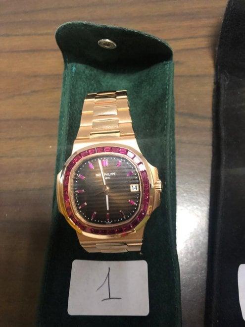codice promozionale 2c4c0 e845f Mafia, il tesoro dei Fontana: ecco gli orologi e i gioielli ...