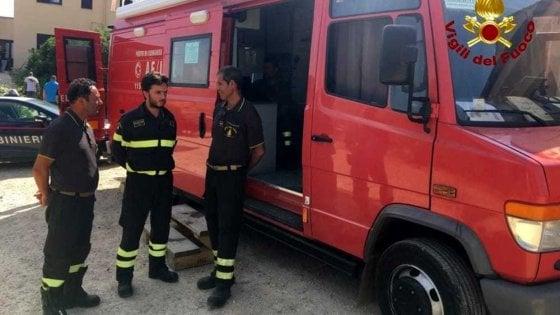 Catania, incendio di sterpaglie e vegetazione. Minacciate le case di Librino