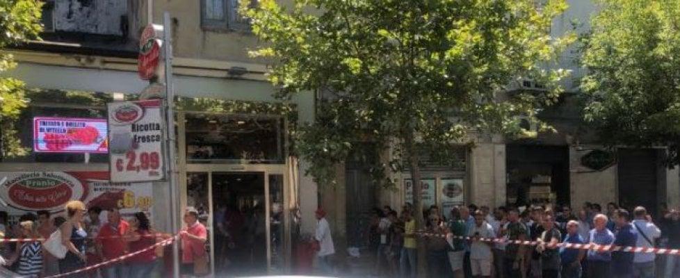 Piazza Armerina, uccide il padre a coltellate in una macelleria