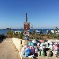 Siracusa, l'isola delle Correnti invasa da camper e rifiuti