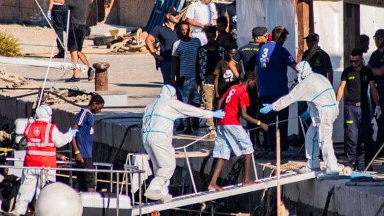 Lampedusa, i migranti arrivano sull