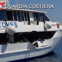 Eolie, motonave per escursioni turistiche contro yacht: cinque feriti