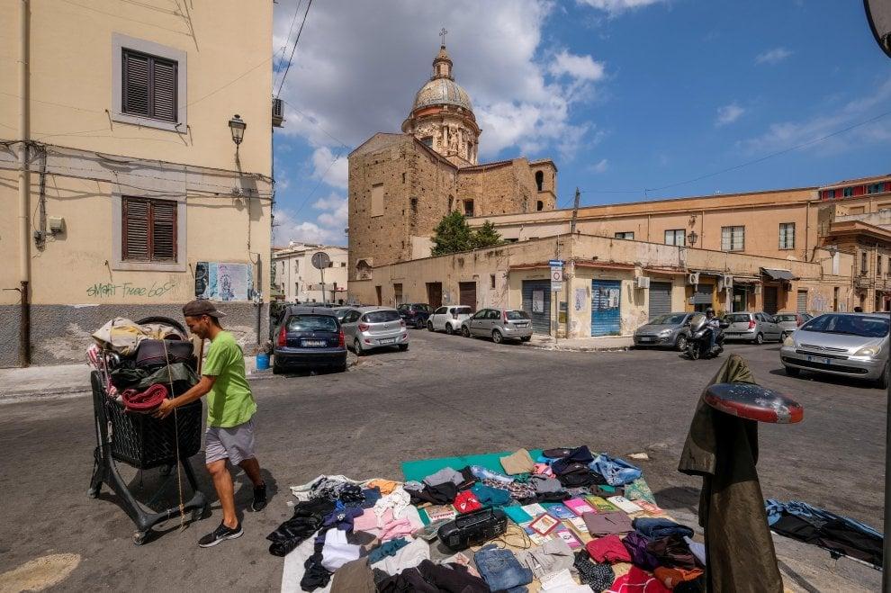 Palermo, degrado e miseria a due passi dalle vie dei turisti
