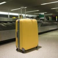 Catania, addetto ai bagagli in aeroporto saccheggiava le valige