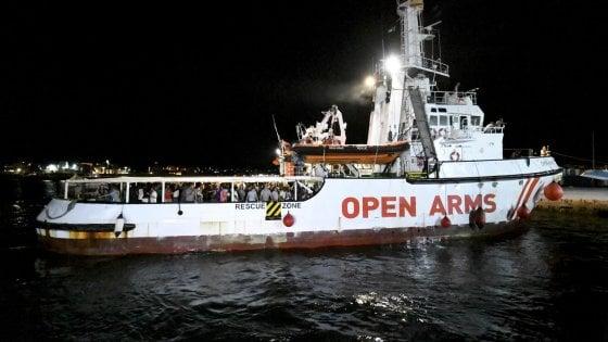 """Open Arms, restituita la nave alla Ong. """"Fumus del reato di sequestro di persona"""""""