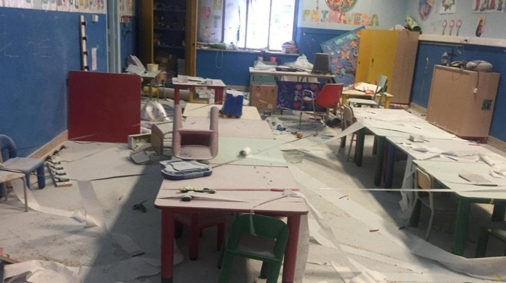 Palermo, scuola alla Zisa devastata dai vandali