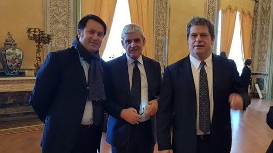 Sicilia, niente poltrone per gli amici di Milazzo: e l'eurodeputato si infuria in chat